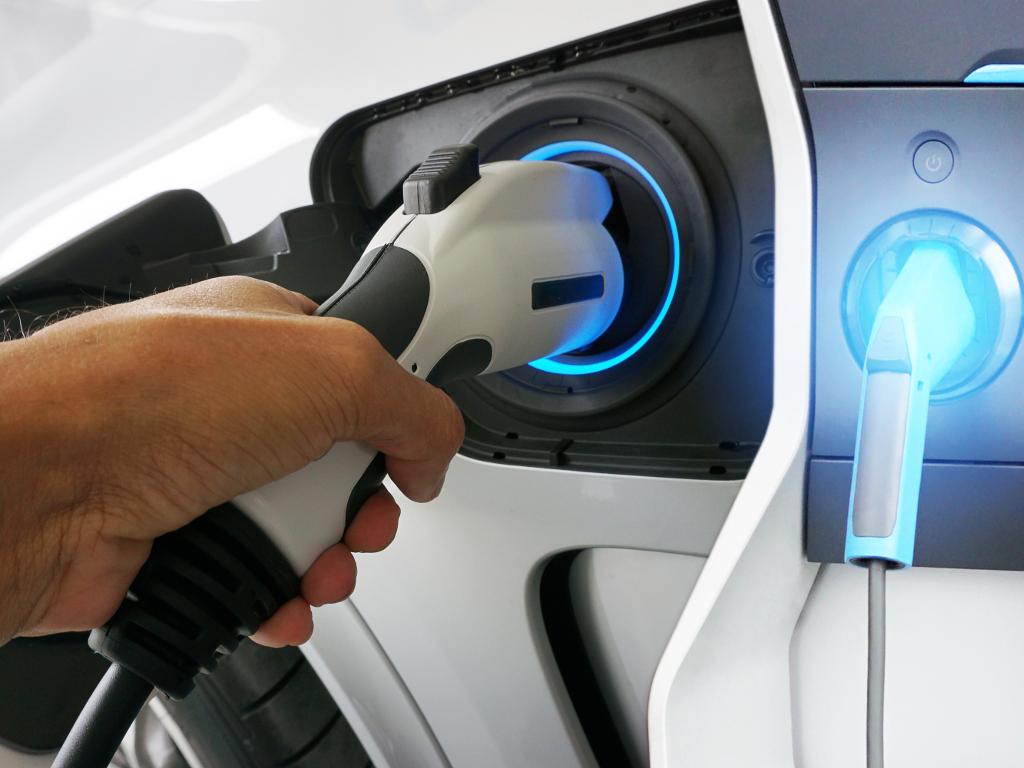Proizvodnja solarnog električnog automobila kreće 2020. - Primljeno već 9.800 narudžbina