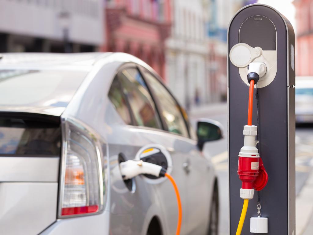 Širenje mreže punjača za električne automobile na auto-putevima u Srbiji