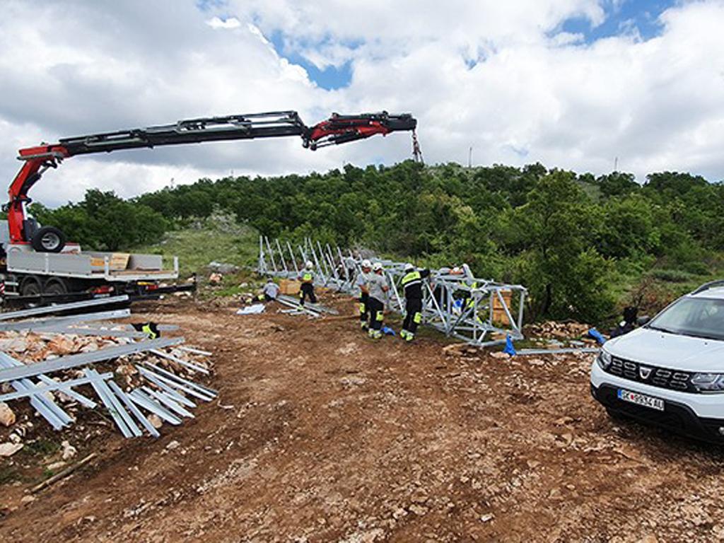 Elnos gradi dalekovode radi napajanja budućeg autoputa u Crnoj Gori