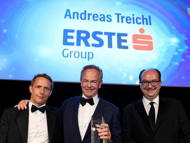 John Orchard, Generaldirektor von Euromoney, Andreas Treichl, Vorstandschef der Erste Group,  Clive Horwood