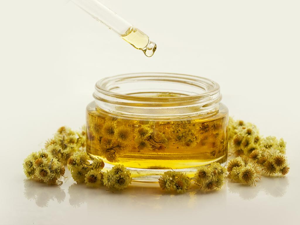 Cijena ulja od smilja manja i do četiri puta - Proizvođači se nadaju normalizaciji tržišta