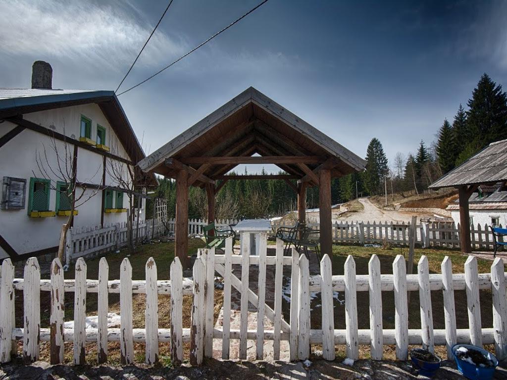 Bosanska kasaba na Nišićkoj visoravni - Etno Begovo selo širi kapacitete i čeka nove goste (FOTO)