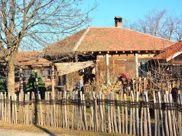Bračnim parovima milion dinara bespovratno za kupovinu seoskih kuća u Vojvodini - Konkurs do 25. septembra