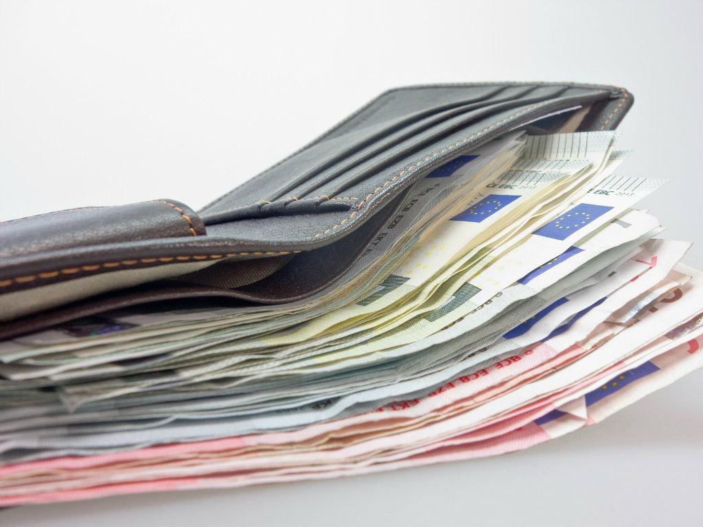 Deutsche Bank predviđa - Gotovina ostaje, plastične kartice će izumrijeti