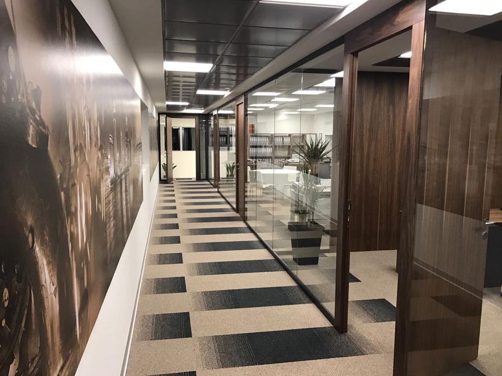 Galerija Podova već 50 godina Vaš pouzdani partner u pronalaženju najboljih podnih obloga za poslovne prostore i javne objekte