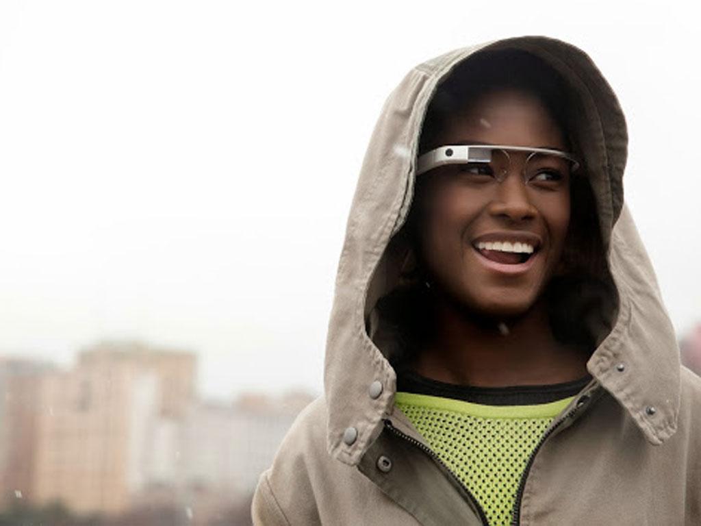 """Google"" razvija pametne naočale bez ekrana?"