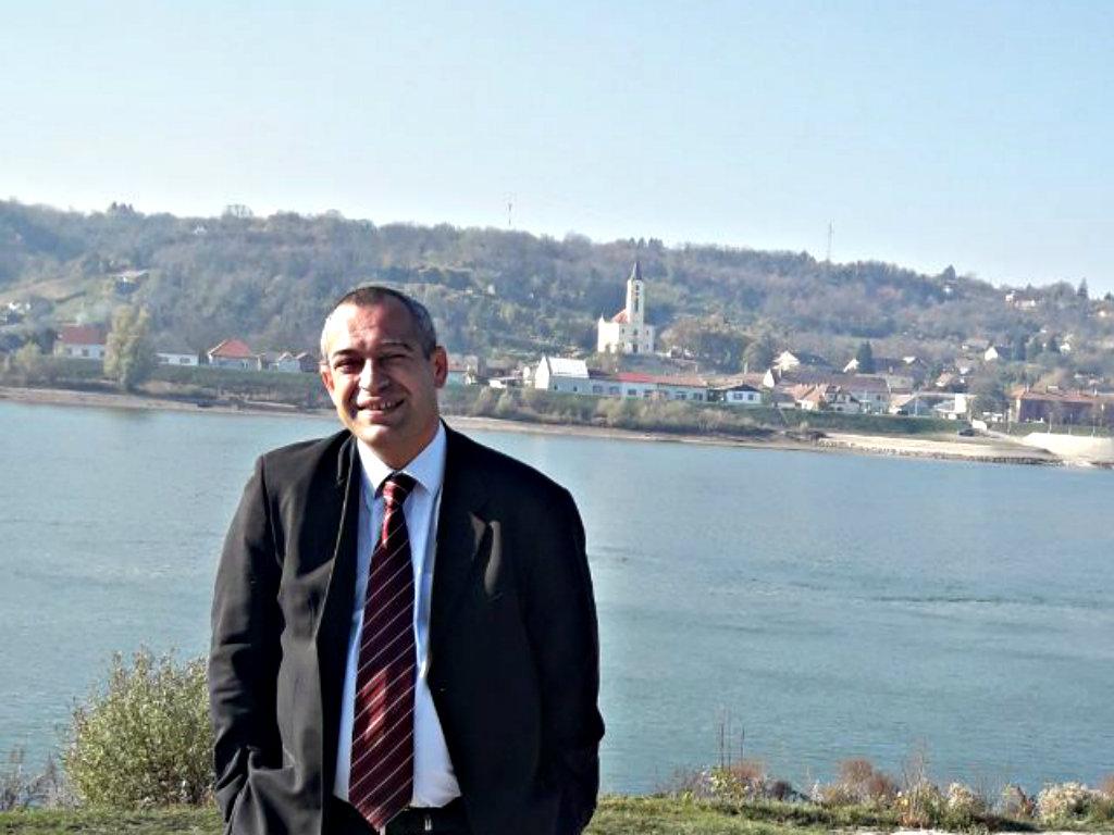 Goran Puzić, dekan Fakulteta za poslovne studije u Vršcu Univerziteta Megatrend - Od benzinske pumpe do dekanata
