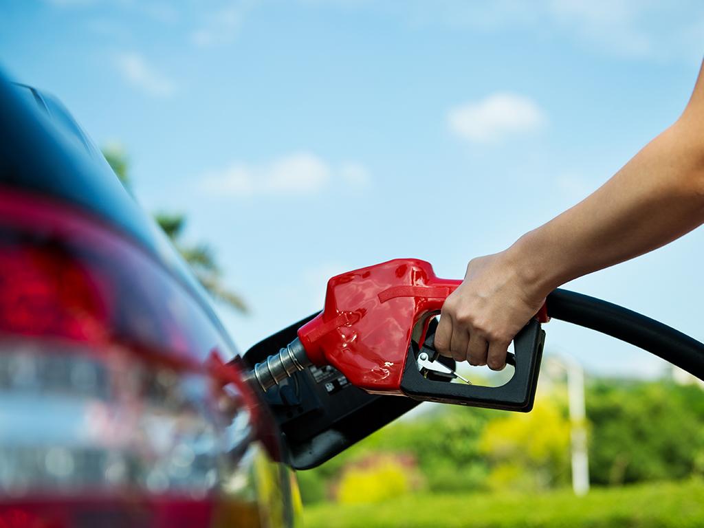 Stiže još jedno poskupljenje prije pojeftinjenja goriva - Čeka se da rafinerije snize ulazne cijene ka distributerima