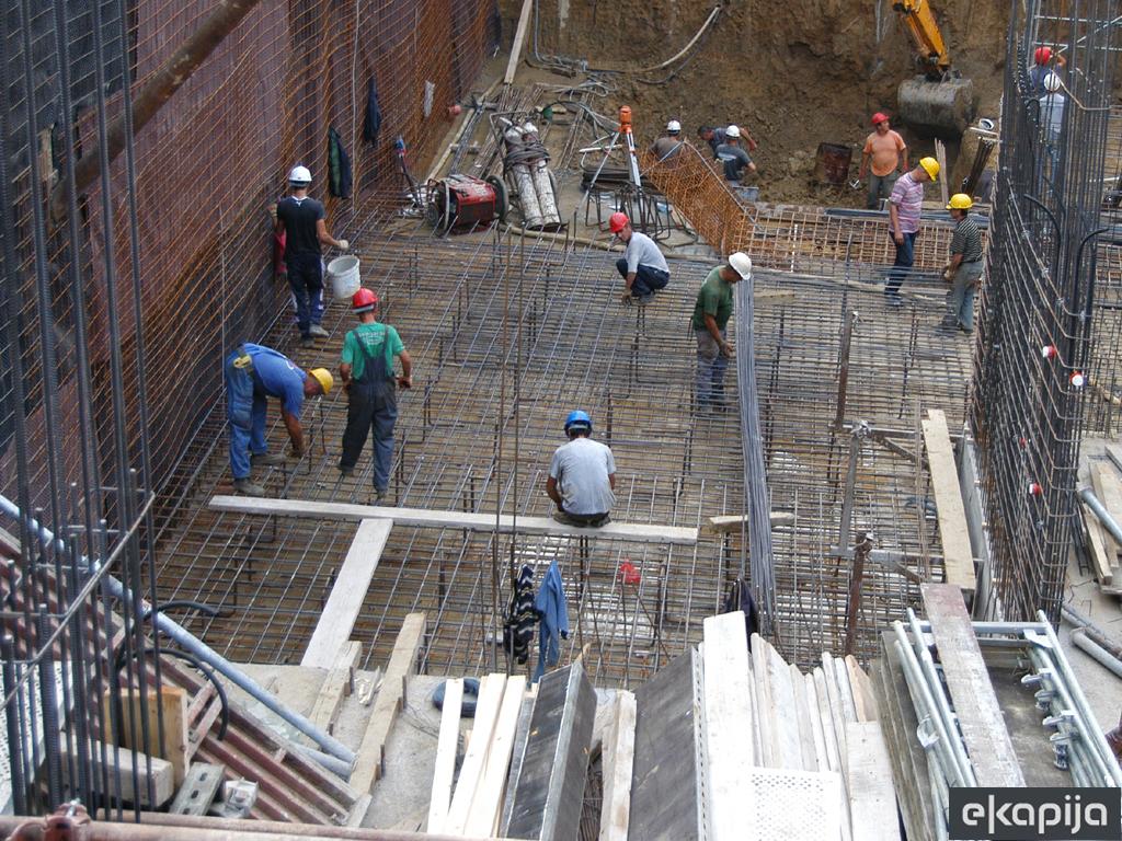 Rast proizvodnje i prodaje građevinskog materijala prvi put posle osam godina - U Srbiji sve manje školovanih zidara
