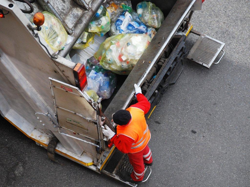 Izabrani projekti za upravljanje otpadom u ZDK - Uskoro i radovi na čišćenju obale Bosne