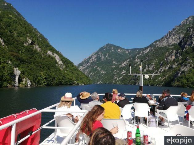 Krstarenje kanjonom Drine sve popularnije - U julu i avgustu plovidba šest dana nedeljno