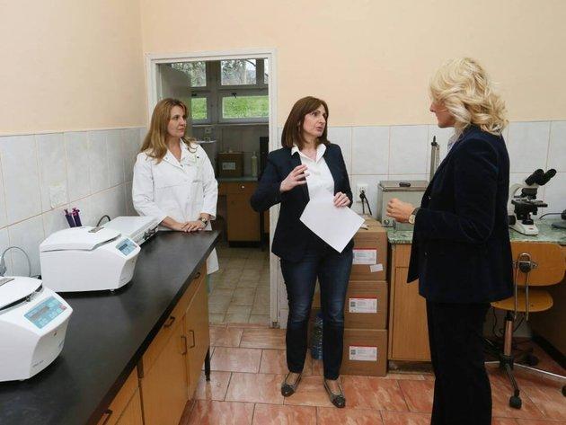 Hemofarm fondacija donirala opremu za laboratoriju Domu zdravlja Ključ