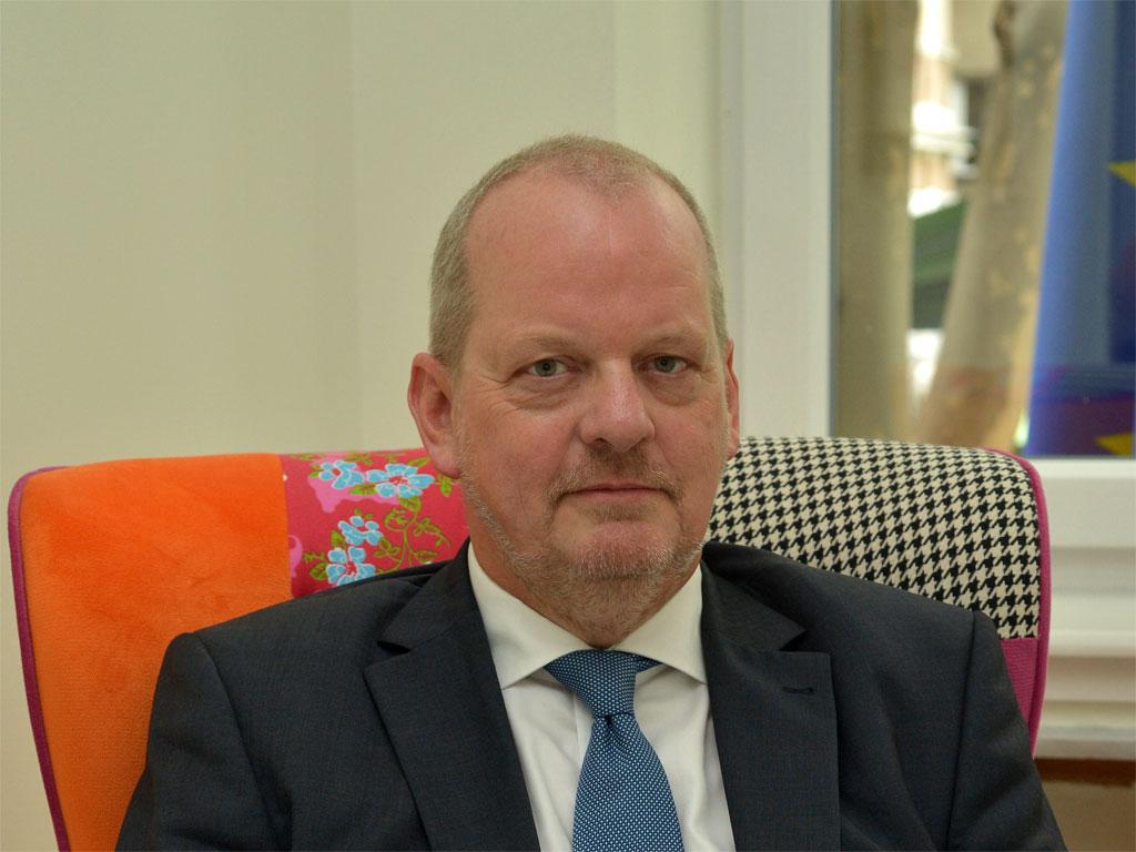 Henk van den Dool, ambasador Holandije u Srbiji -  Holandija je najveći strani investitor u Srbiji, od 2005. uloženo oko 6 mlrd EUR