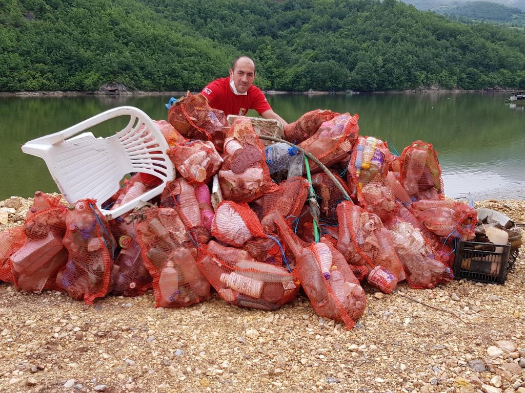 """Henkel šestu godinu organizuje projekt """"Zajedno za čiste vode BiH"""" - Iz Drine kod Višegrada izvađeno više od 120 vreća smeća"""