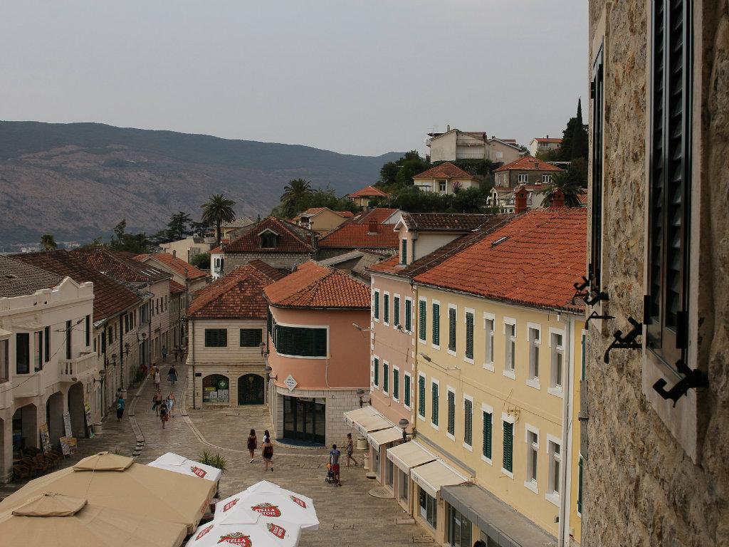 Herceg Novi se sprema za sezonu - Otvoreno 15 hotela, čekaju se gosti iz Rusije, Ukrajine i regiona