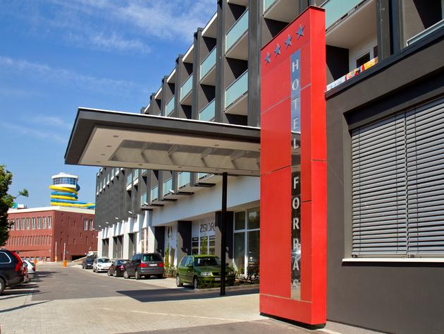 Hotel und Aquapolis als eine Einheit
