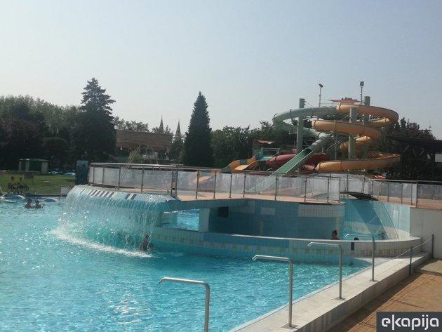 Badeanstalt Napfenyfurdo Aquapolis Szeged