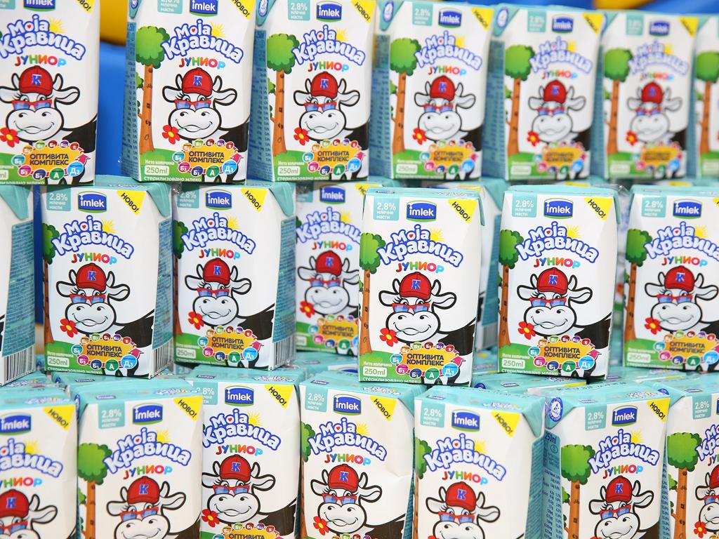 Imlek donirao mleko predškolcima povodom Svetskog dana deteta