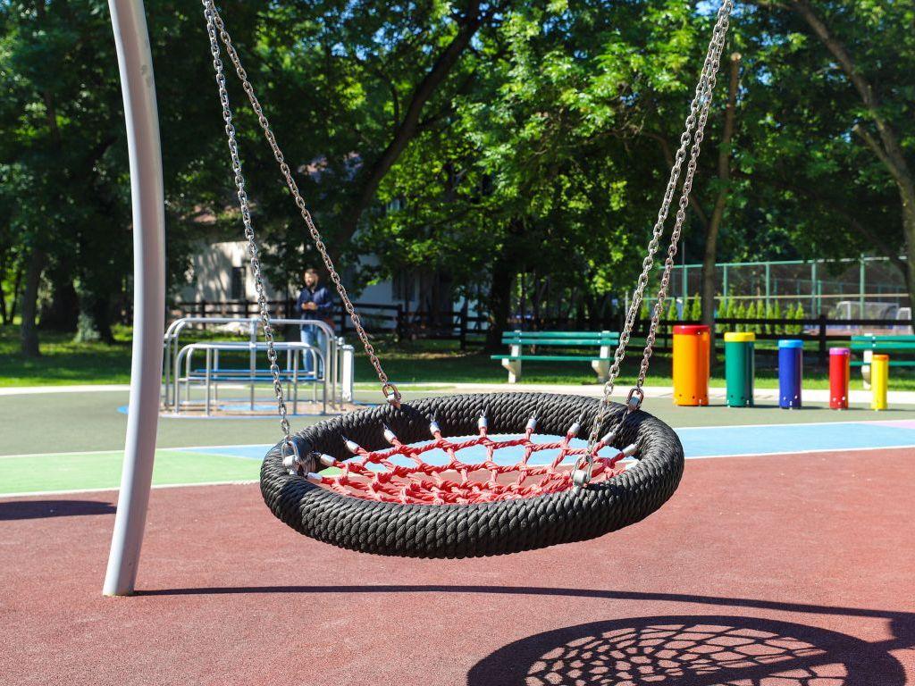 Otvoreno prvo potpuno inkluzivno igralište za decu u Beogradu