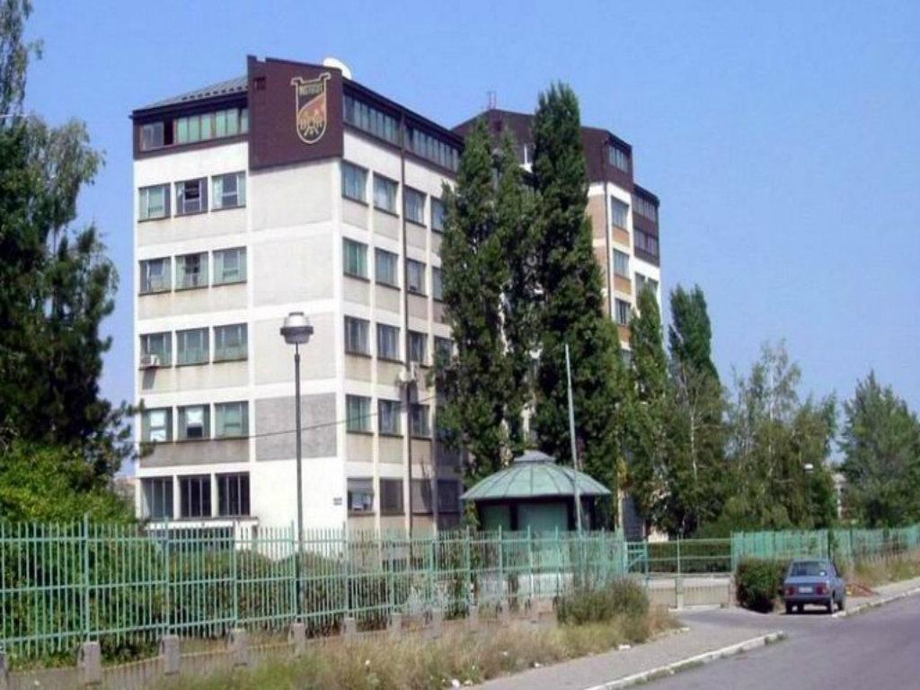 U zgradi Institita za rudarstvo i metalurgiju u Boru, kineski Zijin pravi hotel za smeštaj radnika i novu direkciju