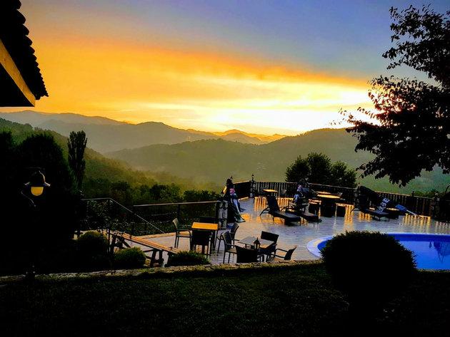 Ivanjički konaci, parče raja na 180 km od Beograda - Uskoro i bazen sa velnes i spa centrom (FOTO)