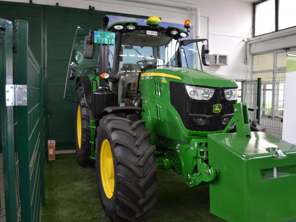 Traktor John Deere za novu školsku godinu na Poljoprivrednom fakultetu u Novom Sadu
