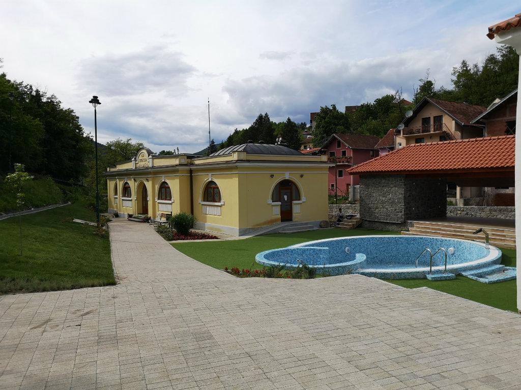 Tokom juna otvaranje novog spa kompleksa u Jošaničkoj banji - U ponudi obnovljeni turski hamam, blatno kupatilo, bazen sa termalnom vodom, finska sauna... (FOTO)