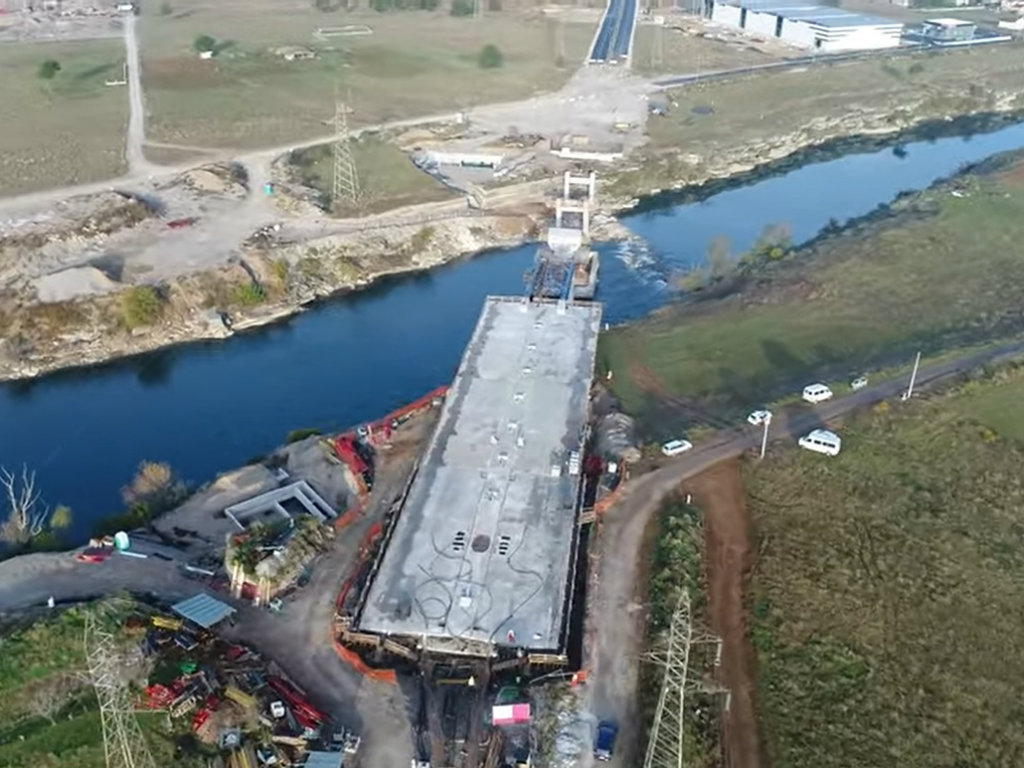 Podgorica će sledeće godine dobiti još jedan simbol grada - Završeno 75% radova na izgradnji mosta na Jugozapadnoj obilaznici