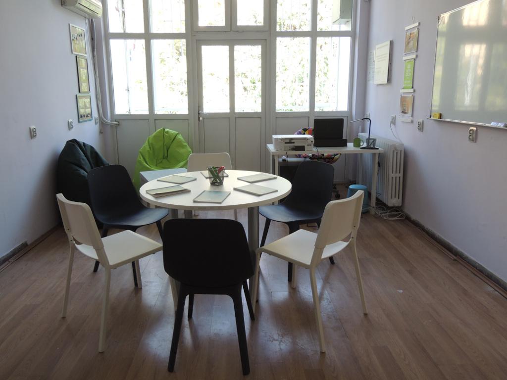 Peta ekonomska škola u Rakovici dobila Kabinet za preduzetništvo