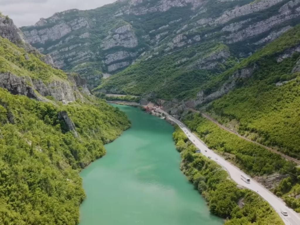 Let nad kanjonom Neretve - Jablanički fotograf ovjekovječio ljepotu (VIDEO)