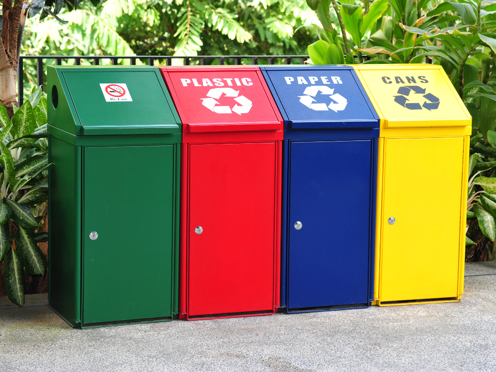 Cvjeta biznis sa otpadom u RS - Najveći otkup papira, kartona i metala, posao sa staklom neisplativ