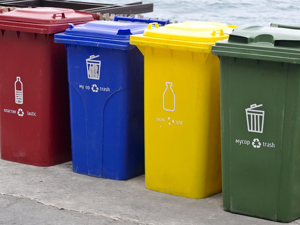 Proširen regionalni projekat upravljanja staklenom ambalažom - Osam novih opština dobija kontejnere za reciklažu