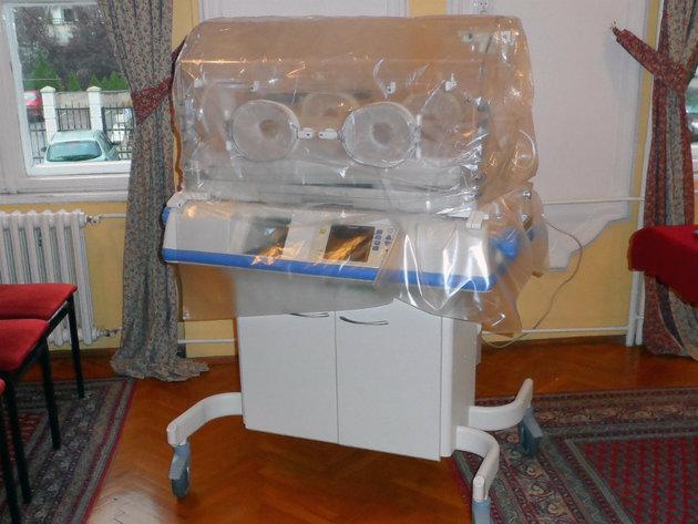 Kompanija Konvar donirala opremu Institutu za neonatologiju