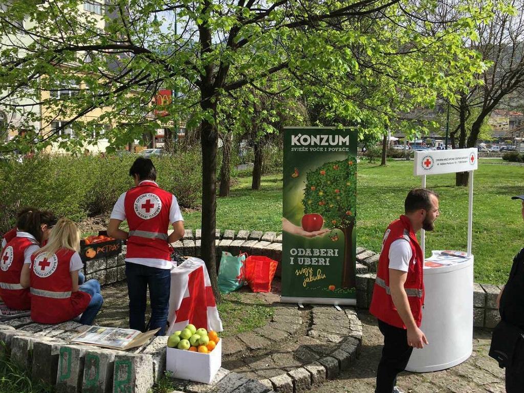 """""""Konzum"""" donirao voće Centru za zdravo starenje u Sarajevu"""