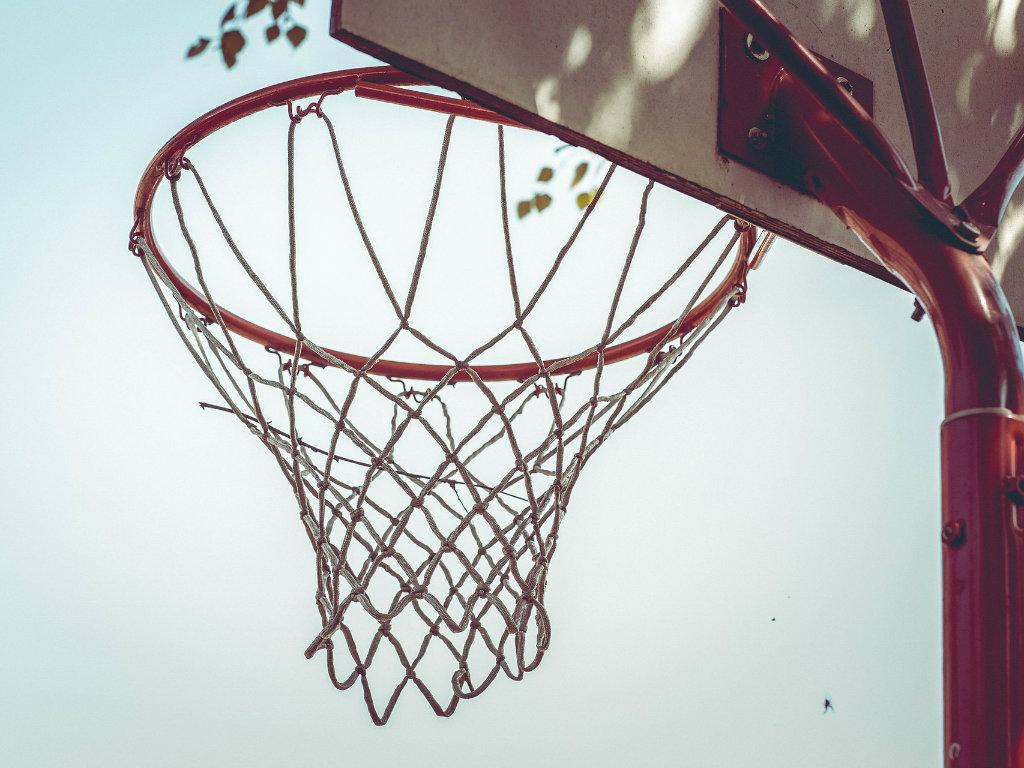 Rekonstrukcija otvorenog sportskog terena u Inđiji koštaće 6 miliona dinara