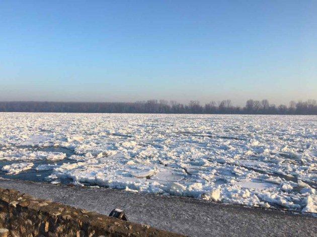 Led na Dunavu 2017. godine