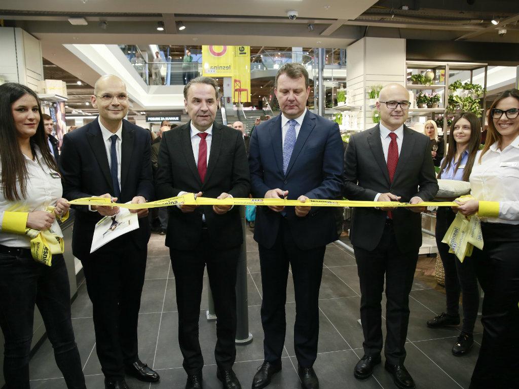 Lesnina XXXL otvorila robnu kuću u Novom Sadu na 20.000 m2 - Prilika za domaće proizvođače nameštaja (FOTO)