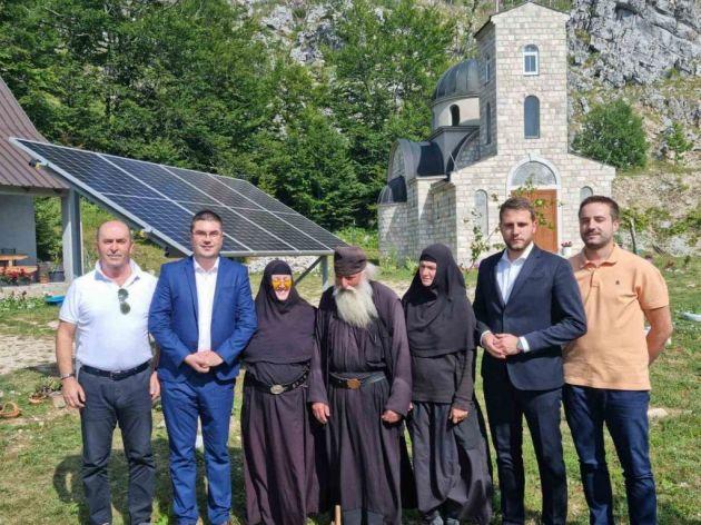 Pušteni u rad solarni paneli za napajanje manastira Preobraženja Gospodnjeg na Somini