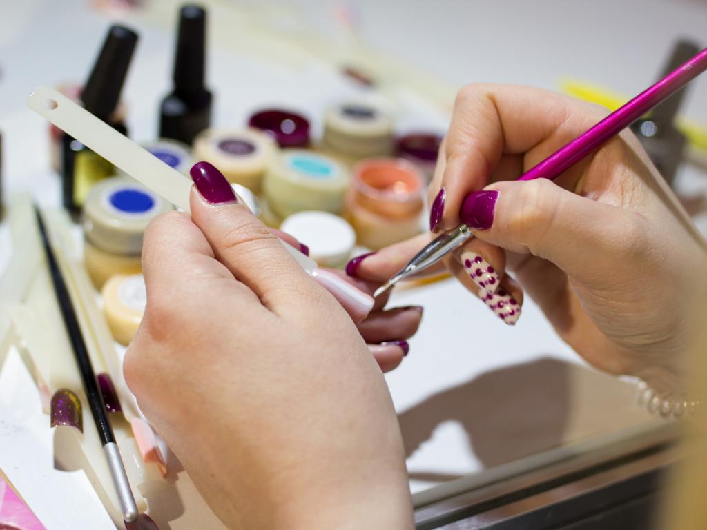 Zabranjen rad frizerskih i kozmetičkih salona, teretana i kladionica