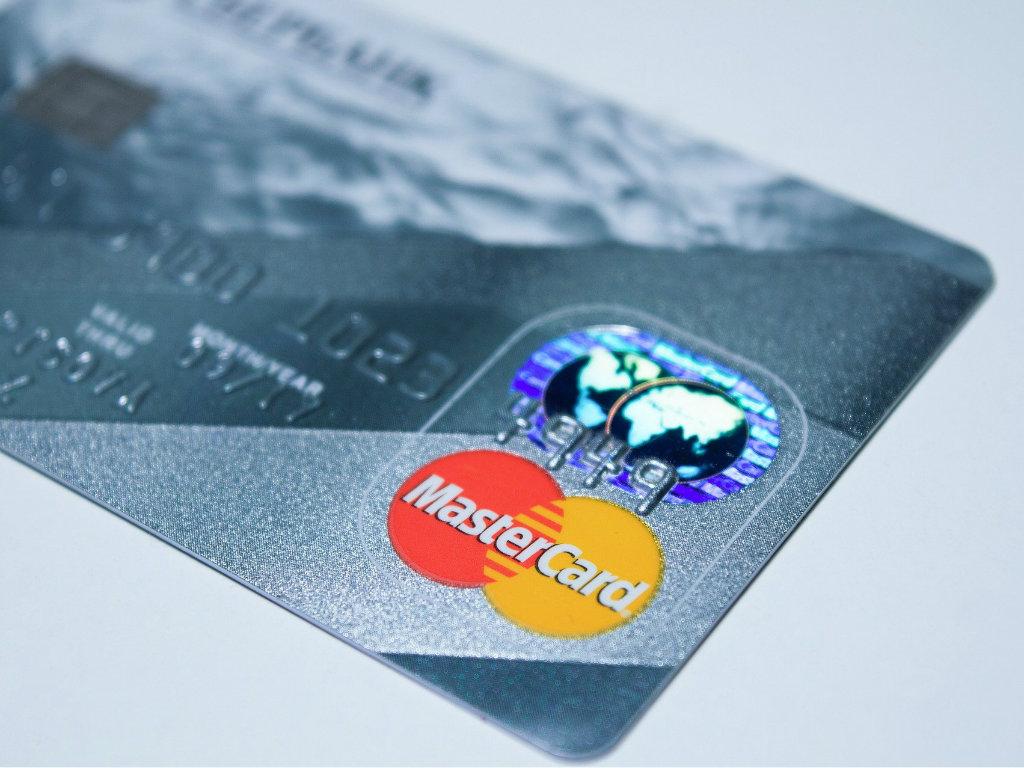 """EPCG portal i Mastercard pokreću akciju """"za 4 EUR u plusu"""""""