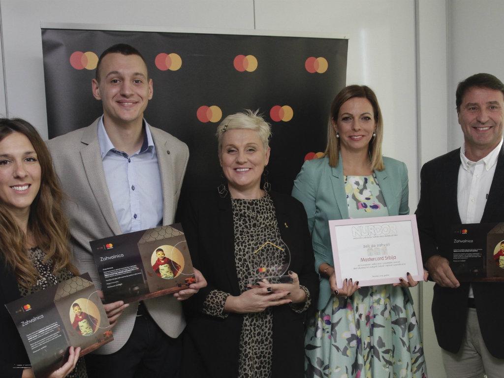 Mastercard uručio donaciju od 250.000 EUR NURDORU-u