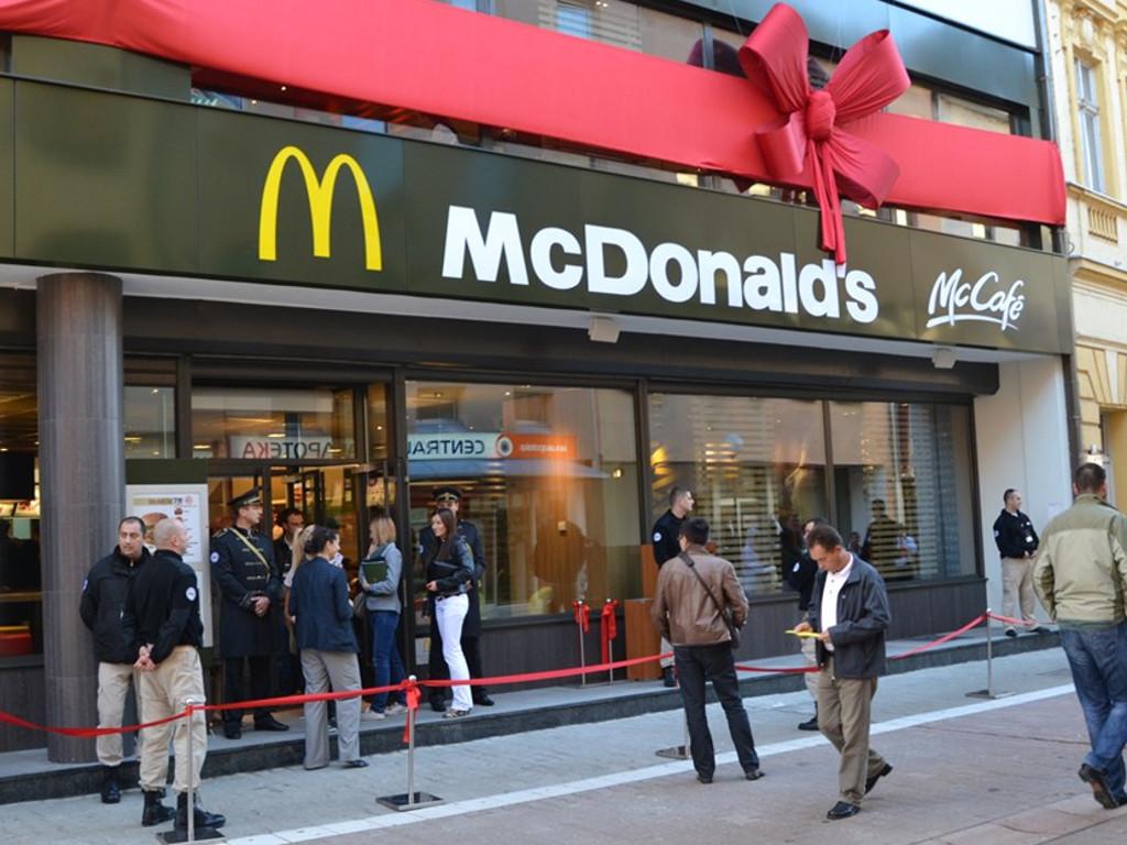 McDonalds tokom pandemije donirao više od četiri miliona dinara u novcu i obrocima u Srbiji
