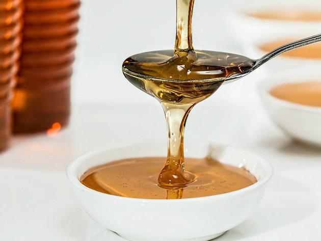 Pčelari donirali 50 kilograma livadskog meda za zdravstvene ustanove na teritoriji Zemuna