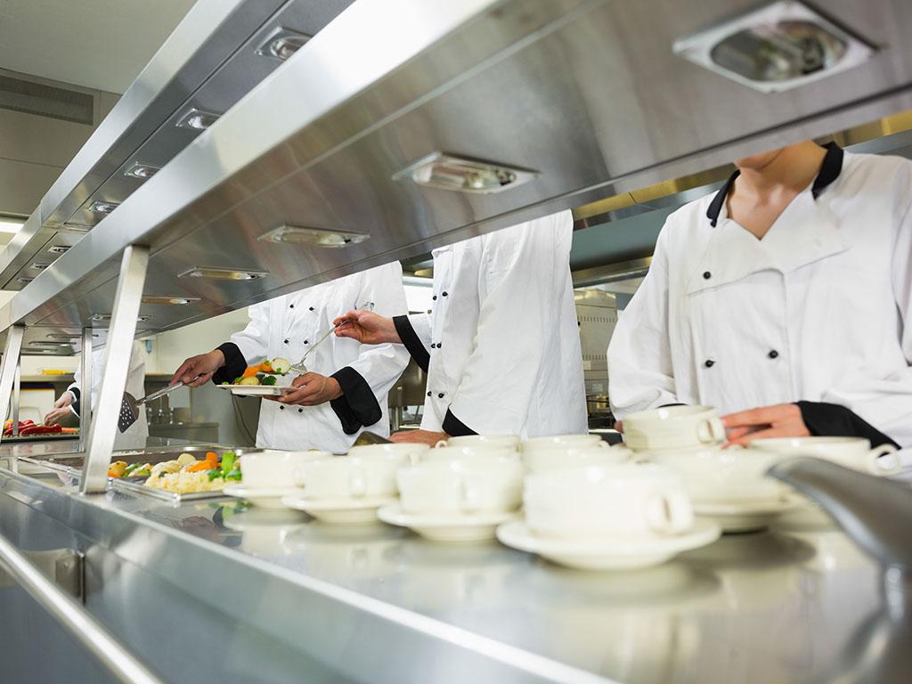Plate vrhunskih kuvara veće i od plata ljekara specijalista