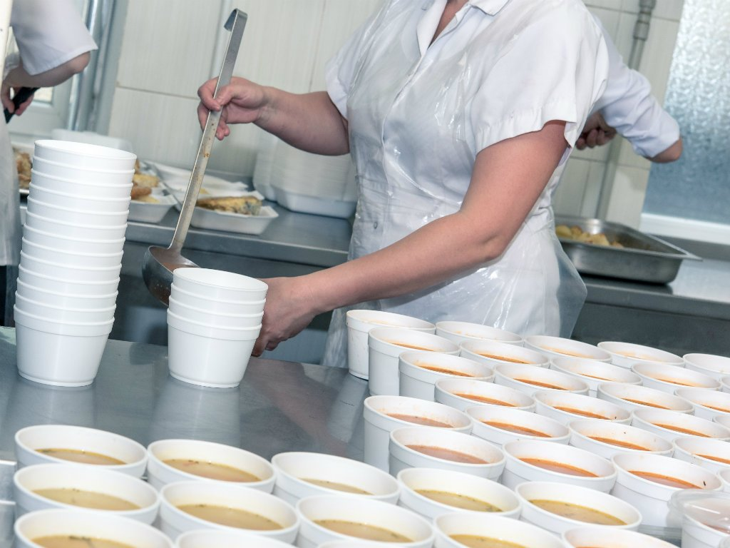 U Smederevu potpisan ugovor vredan 14 miliona dinara za finansiranje besplatnih obroka