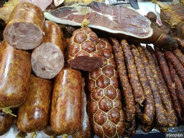 Fleisch- und Wurstwaren aus Ruma