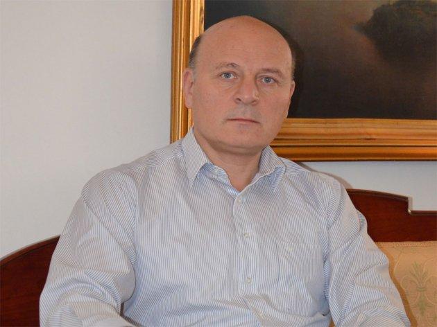 Srbiji potrebno 5-7 mlrd EUR godišnjih investicija - Neophodno smanjenje poreza na plate