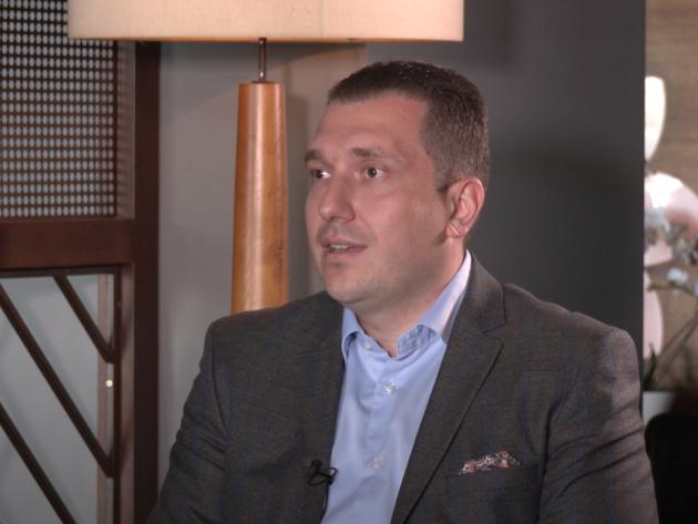 Miroslav Knežević, državni sekretar u Ministarstvu trgovine, turizma i telekomunikacija - Biografija