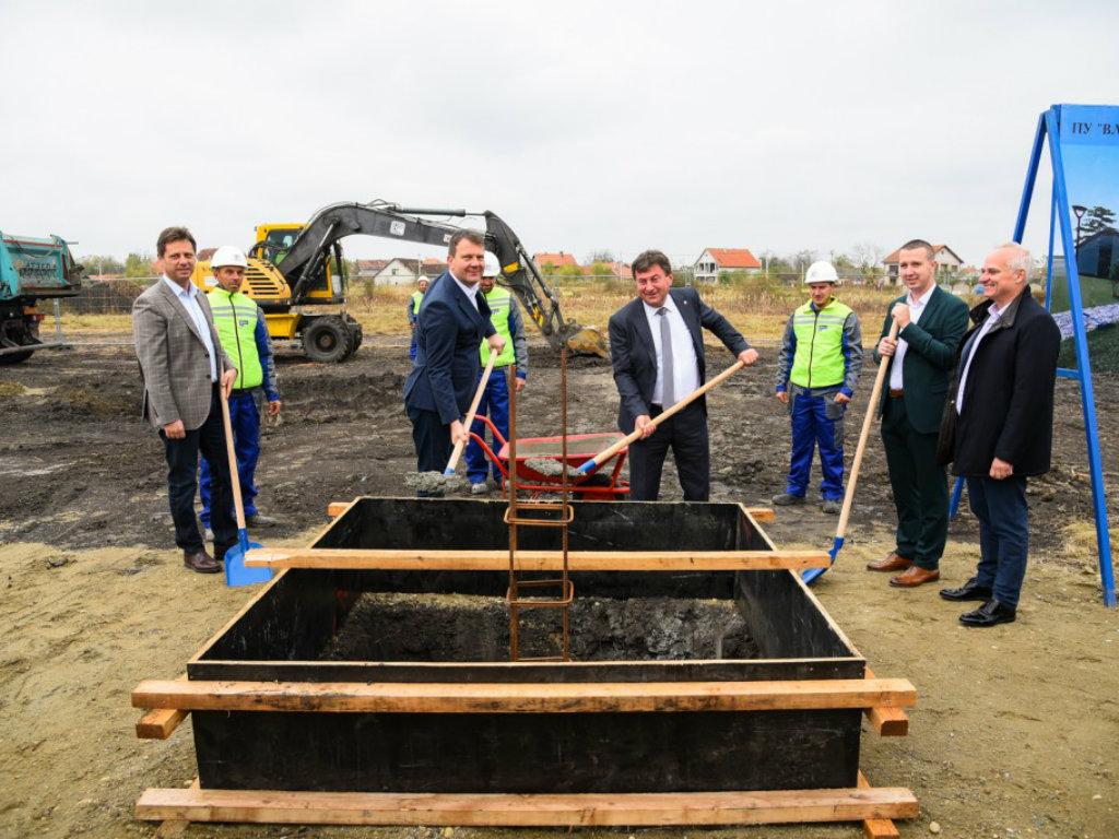Položen kamen temeljac za novi vrtić u Šimanovcima - Završetak gradnje očekuje se krajem sledeće godine