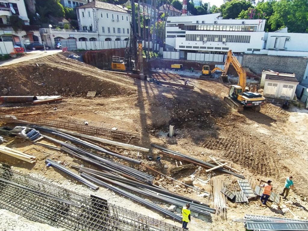 U toku izmjena glavnog projekta izgradnje javne garaže i mješovitog centra u Herceg Novom - Veći broj parking mjesta i prostraniji trg
